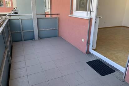 TOLLE 2-Zimmer Wohnung mit großem Balkon in der Rembrandtstraße 11 - Nähe LKH und UNI + Tiefgarage!