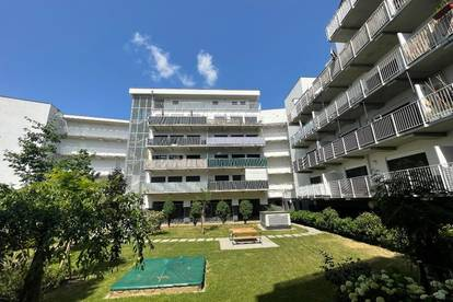 Attraktive 2-Raum-Wohnung mit XLBalkon, zentral gelegen! PROVISIONSFREI!