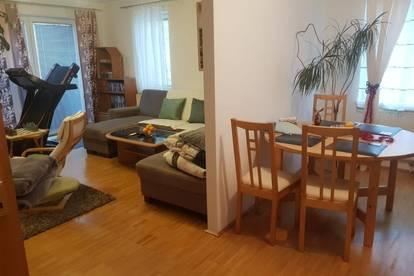 Hervorragende 3-Raum Wohnung in kinderfreundlicher, grüner und dennoch zentrumsnaher Lage! Top-Infrastruktur - hohe Wohnqualität! Provisionsfrei!