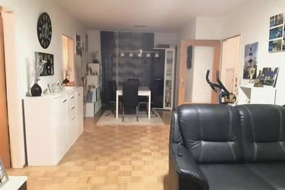 Lichtdurchflutete 3-Raum-Wohnung mit Balkon in Toplage! Wohnen im Grünen und trotzdem alle Vorteile der Stadt genießen! Provisionsfrei!