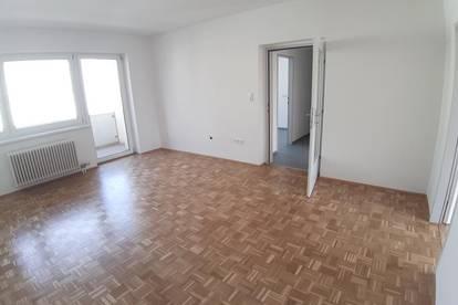 ERSTBEZUG nach Sanierung - Licht durchflutete 3 Zimmerwhg. mit  sonnigem Balkon-ruhige & familienfreundliche Lage