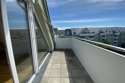 Lichtdurchflutete 3-Raum-DG-Wohnung in zentrumsnaher Grünlage! Garantiert hohe Wohnqualität - 1A Infrastruktur! Ideal auch für junge Familien!