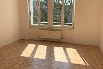 Helle, freundliche 3-Zimmer Wohnung in grüner Stadtrandlage! Ideale Raumaufteilung - erstklassige Infrastruktur - hohe Wohnqualität! Provisionsfrei!