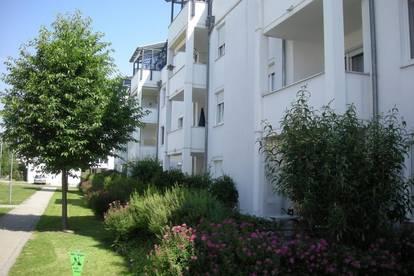 Gepflegte 3-Zimmer-Wohnung mit Balkon im ruhigen Siedlungsgebiet! Kinderfreundlich - von Grünflächen umgeben - 1A Infrastruktur! Provisionsfrei!