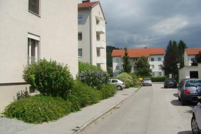Praktischer 3-Raum-Wohn(t)raum im 1. OG. - leistbares Wohnen in sicherem sowie naturnahem Wohnumfeld - ausgewählte Nachbarschaft inkl.!
