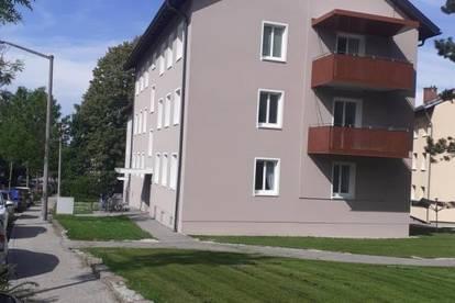Zauberhafte Wohnung mit 2 Kinderzimmer und sehr schönem Balkon in herrlicher Ruhelage und doch nah am Zentrum! Provisionsfrei!