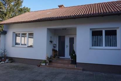 Top Zweifamilienhaus mit separaten Eingängen in Neunkirchen!