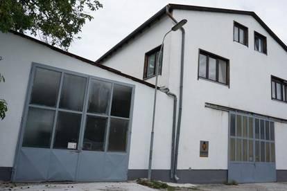 Renditeobjekt mit 4 Wohnungen, Lagerfläche und Garagenplätze in Ternitz!
