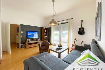Familienfreundliche 4 Zimmer Dachgeschoßwohnung mit Küche und 2 Terrassen!