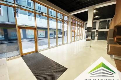 Perfektes Geschäftslokal mit riesiger Schaufensterfront am Schillerpark!
