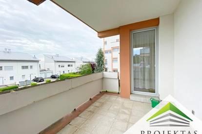 Schöne 4 Zimmerwohnung mit Balkon in Ruhelage! Küche ablösefrei!!