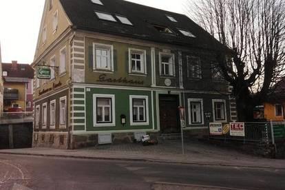 Birkfeld Zentrum: Mehrfamilienhaus mit vier Wohnungen und einem Geschäft!