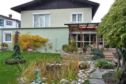TOP Einfamilienhaus in Pottenstein mit Indoorpool und Sauna