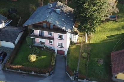 Nächst Thalgau: Großzügiges, sonniges Wohnhaus mit parkähnlichem Garten, mit 3 autarken Wohnungen (zu sanieren)