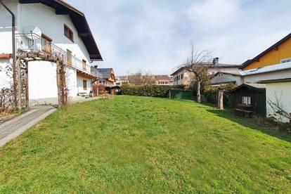 Seekirchen am Wallersee: 3-Zimmer Hausetage, 98 m², sonnig, zentral, 400 m² Garten und Garage