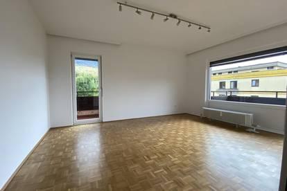Frisch sanierte 4-Zimmer-Wohnung mit zwei Balkonen in Parsch