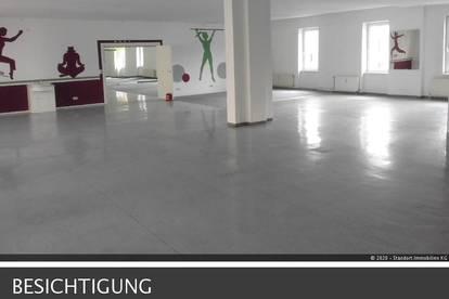 Lager/Atelier/Büro, Obergeschoss mit Lastenlift