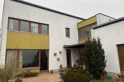 Großzügiges modernes Haus Nähe Golf Club Süßenbrunn