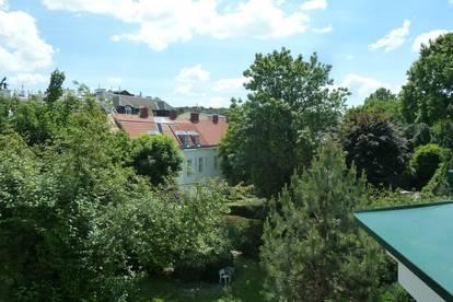 Großzügige Dachgeschoss-Wohnung mit Terrasse in Alt-Hietzing