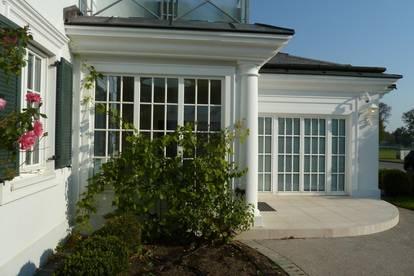 Elegante Villa in exklusivem Resort