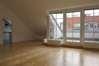 UNBEFRISTET: 4-Zimmer DG-Wohnung mit Terrasse Nähe Prater