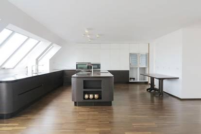 1090! Außergewöhnliche DG-Maisonette für Kochbegeisterte mit Terrasse