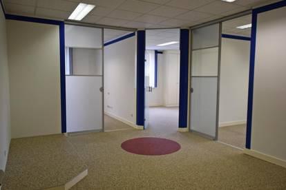 Helles Büro/Praxis nähe LKH