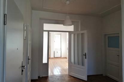 Gemütliche 4-Zimmer ALTBAUWOHNUNG mit Eigenterrasse im Privathaus
