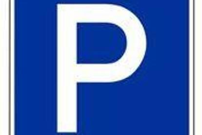 Parkplatz überdacht in der Mandellstraße in der Nähe der TU!
