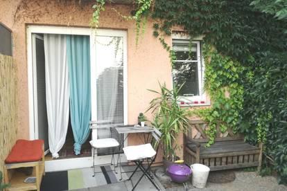 Großzügige Kleinwohnung mit Eigengarten und Parkplatz Nähe TU Inffeldgasse.