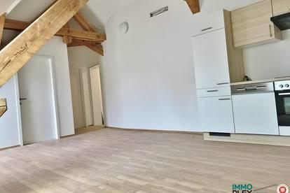 Exklusive 3-Zimmer Dachgeschoss-Wohnung im Zentrum der Stadt Retz zu mieten! 2070