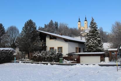 Prächtiges großzügiges Wohnhaus mit Naturschwimmteich in idyllischer Lage (2320)