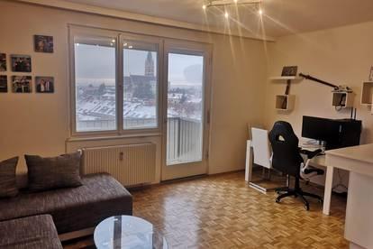 Feine 2-Zimmer Wohnung mit Balkon und riesiger Allgemein-Dachterrasse(5284)