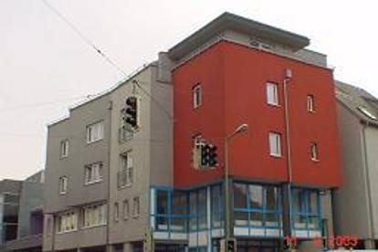 Einraumwohnung mit Dachterrasse, quasi eine Penthouse-garconierre !!!