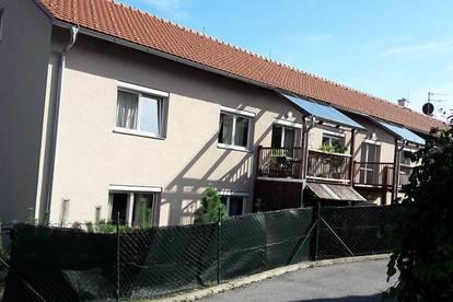REICHLICH PLATZ! 4-Zimmer-Wohnung mit Balkon + Carport - PROVISIONSFREI!