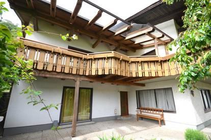 Region Ossiacher See! Sehr geräumiges Wohnhaus mit schön angelegtem Garten