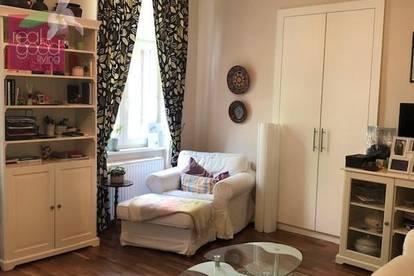 Sehr feine, entzückende, voll-möblierte 2 Zimmerwohnung in Grünruhelage