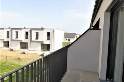 Eigentumswohnung mit Balkon und 2 Parkplätzen beim Bahnhof Tullnerfeld zu kaufen - Tulln 8 km