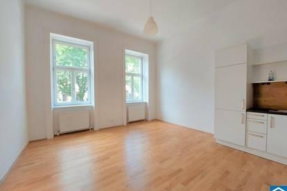 Schön sanierte 3 Zimmer-Altbauwohnung Nähe U1!