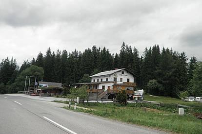 Hebalm: Gelegenheit zum Mitaufbau einer aufstrebenden Region: Appartementhaus mit großem Potential, Campingplatz