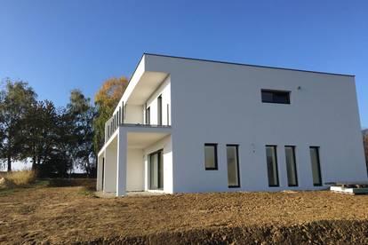 ERSTBEZUG - neue Haushälfte mit Fernsicht
