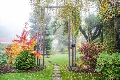 2 Familienhaus mit Traumgarten zu verkaufen!