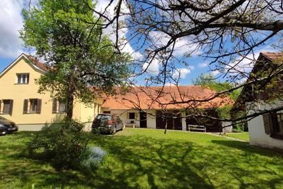 8093: Charmantes Haus in der Südoststeiermark in Entschendorf im 2350 m² großen Garten!