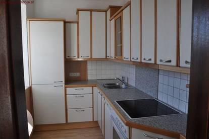 Drei-Zimmer-Wohnung mit Loggia