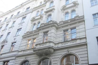 klassische Altbauwohnung 4 Zimmer - MITTEN IN DER STADT - mit Loggia