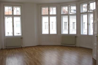 6 Zimmer - Klassische Altbauwohnung im 2.Bezirk - 4. Liftstock - Nähe Schwedenplatz