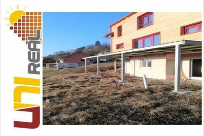 - UNI-Real - **Holzhaus in skandinavischem Stil**