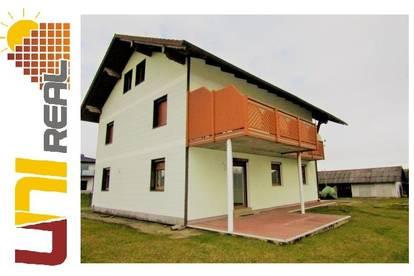 - UNI-Real - Platz für zwei Familien - unverbaubarer Grünblick inklusive!