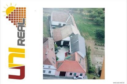 - UNI-Real - Bauernhaus mit viel Potenzial