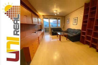 - UNI-Real - Ruhige 3-Zimmer Wohnung mit Loggia!